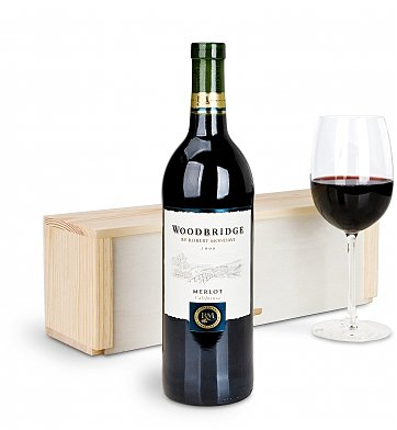 Personalized Wine Gifts: Robert Mondavi Woodbridge Merlot