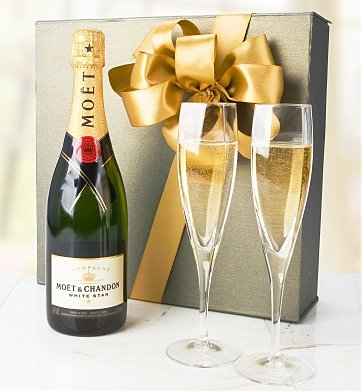 Champagne Gifts: Moet & Chandon White Star Toasting Set