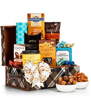 Holiday Nuts & Confections Gift Chest