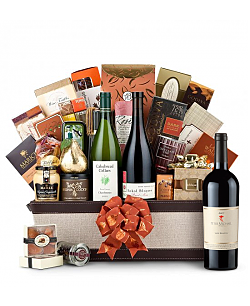 The Hamptons Luxury Wine Basket-Peter Michael Les Pavots 2007