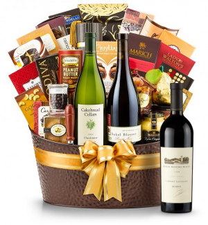The Hamptons Luxury Wine Basket-Robert Mondavi Reserve Cabernet Sauvignon 2009