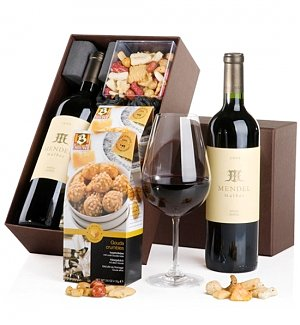 Fine Wine & Gourmet Snacks