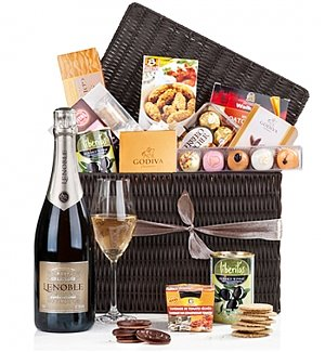The Ultimate Gourmet Hamper - Champagne