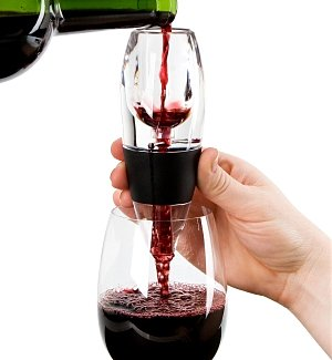 Vinturi Wine Aerator with Optional Monogram Engraving